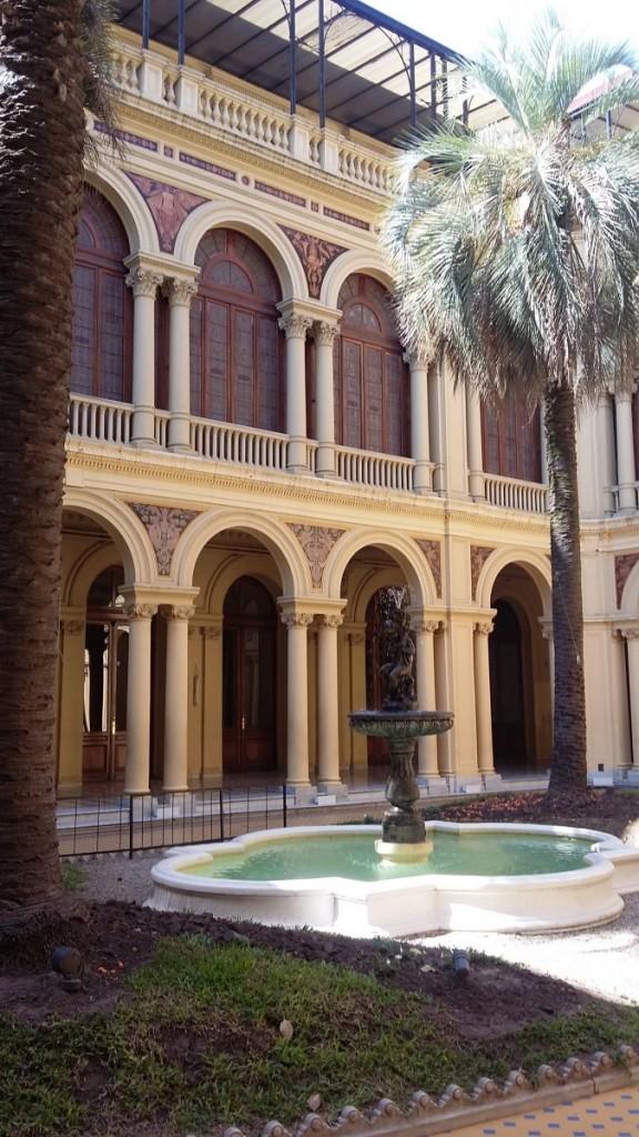 Pátio interno da Casa Rosada, Buenos Aires, Argentina.