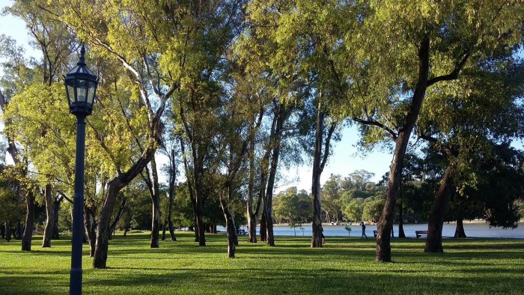 Outro lado do Parque de Palermo, em Buenos Aires.