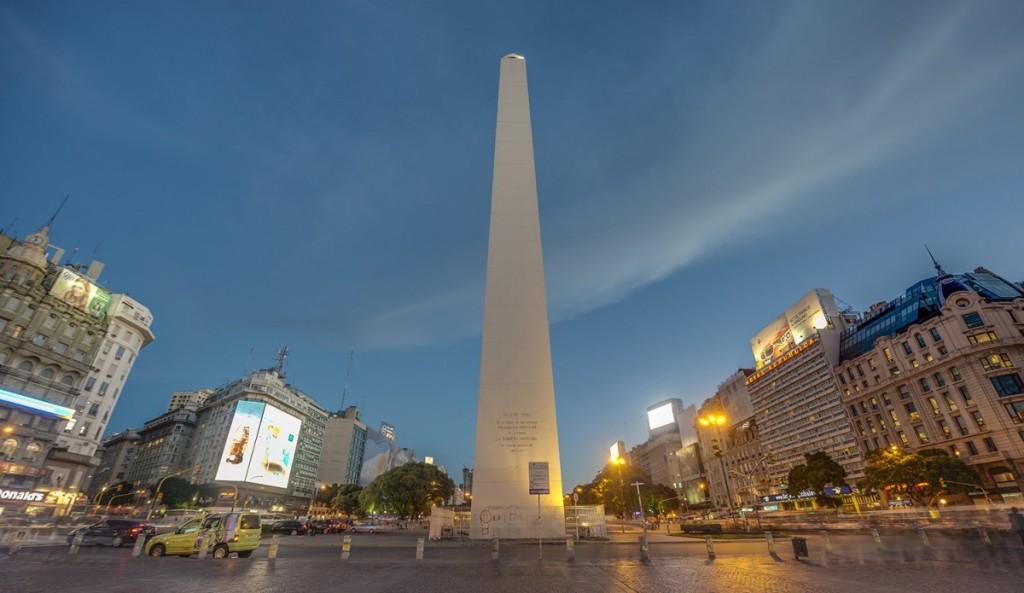 Região do Obelisco é a Broadway de Buenos Aires, Argentina.