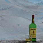 Whisky com gelo centenário no final do trekking... sempre bom relaxar... Glaciar Perito Moreno.