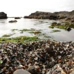 Glass Beach (Praia de Vidro, em português.