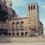 Monastério de MontSerrat, onde os padres ainda cantam as missas. Tradição!